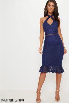 Кружевное платье миди с оборкой и вырезами PrettyLittleThing