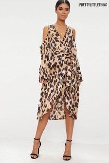 Атласное платье миди с леопардовым рисунком PrettyLittleThing