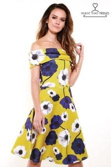 Короткое приталенное платье с открытыми плечами Want That Trend