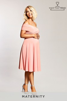 Vestido a media pierna con escote Bardot de Want That Trend Maternity