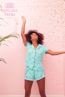 Chelsea Peers Pyjamaset mit Wal- und Regenbogenmotiven
