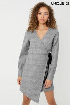 שמלה משובצת של Unique 21