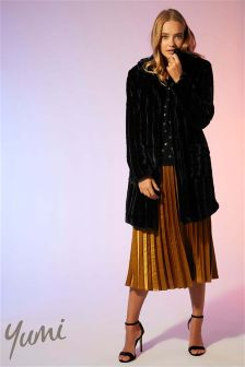 Yumi Faux Fur Coat with Patch Pockets