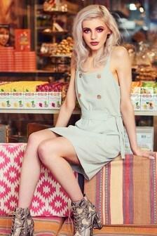 Sukienka mini z guziczkami Urban Bliss