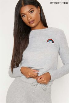 Sweat PrettyLittleThing brodé arc-en-ciel