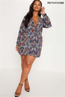 PrettyLittleThing Plus Knot Front Printed Dress