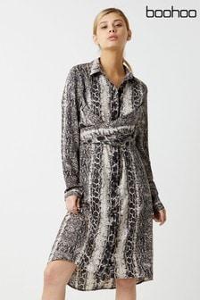 שמלה בהדפס מנוחש עם שרוול ארוך של Boohoo