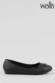 Wallis Britney Black Circle Trim Ballerinas