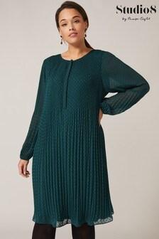 Studio 8 Green Florrie Dobby Swing Dress