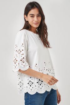 Short Sleeve T-Shirt With Cut Out Print Pattern And Shaped Hem