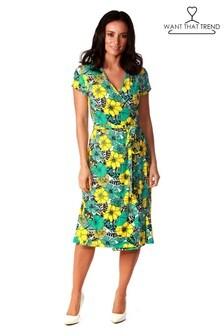 Короткое приталенное платье с запахом и цветочным принтом Want That Trend