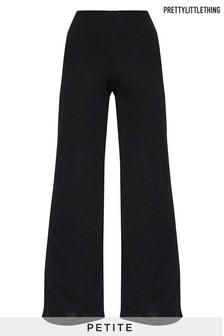 מכנסי פטיט בגזרה רחבה של PrettyLittleThing