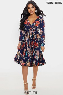 PrettyLittleThing PetiteFloral Pleated Dress