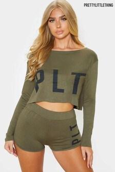 PrettyLittleThing Kurzer Pyjama aus Jersey mit Markenlogo