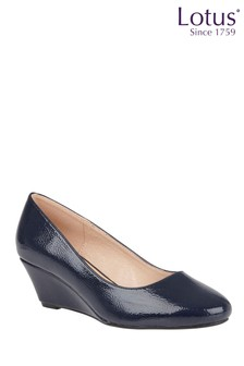 Lotus Crinkle Shiny Wedge Shoes