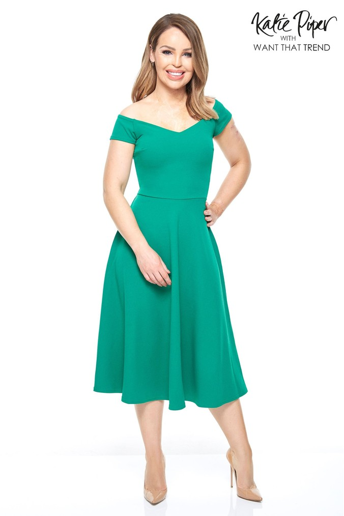 Womens Want That Trend Emerald Skater Dresses -  Green