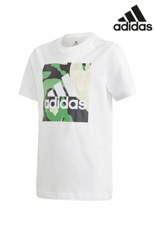 adidas T-Shirt mit Box-Grafik und Camo-Print