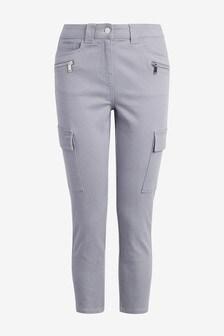 Укороченные джинсы облегающего кроя в стиле милитари