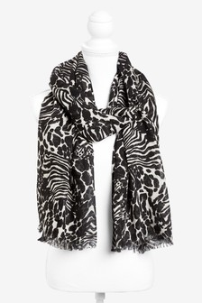Large Scale Lightweight Scarf