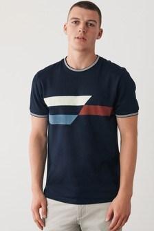 Tričko so štvorcovou potlačou na hrudi