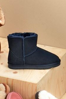 Pantuflas tipo botas de ante