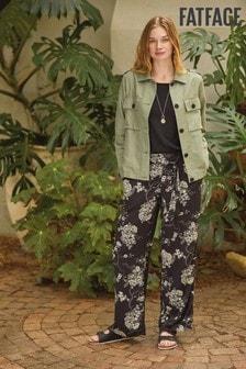 Czarne spodnie z szerokimi nogawkami FatFace Oriental Garden