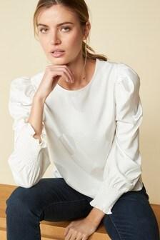 Жаккардовая блузка в горошек с объемными рукавами