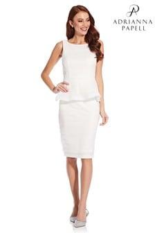שמלת פפלום עם עלי כותרת של Adrianna Papell