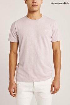 חולצת טי של Abercrombie & Fitch דגם Icon בסגול