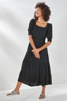 فستان مستويات