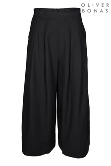מכנסיים בגזרה רחבה של Oliver Bonasדגם Bay בצבעשחור