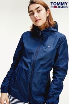 ז'קט רוח שלTommyJeans עם לוגו בחזית בצבע כחול