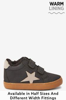 Ботинки на теплой подкладке и липучке со звездой (Младшего возраста)