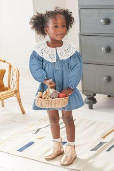 Джинсовое платье с вышивкой ришелье на воротнике  (3 мес.-7 лет)