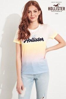 חולצת טי דגם Core בצבע סגול של Hollister