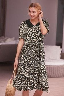 Платье <br>с воротником