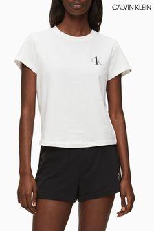 تي شيرت للاسترخاء باللون الأبيض من Calvin Klein