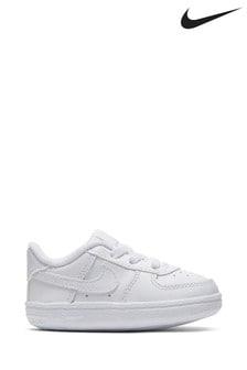 נעלי ספורט לתינוקות שלNike דגםAir Force1 בלבן