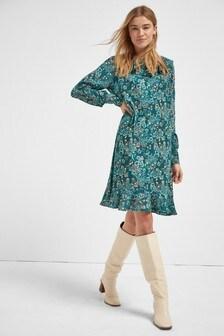 Платье мини с оборкой по воротнику
