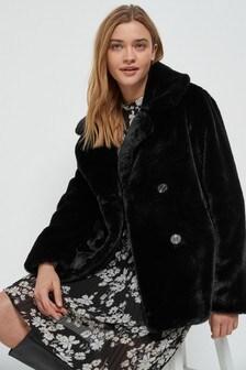 Короткая куртка из искусственного меха