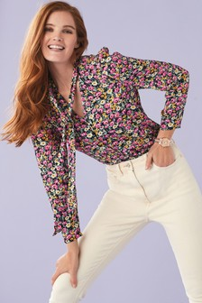 Блузка с принтом и завязкой