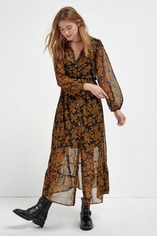 Платье на пуговицах с ремнем