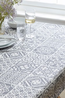 Linen Mix Wipe Clean Table Cloth With Linen
