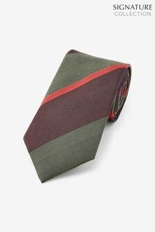 עניבה מפוספסת