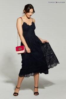 فستان مناسبات متوسط الطول دانتيل أزرق منTommy Hilfiger