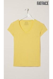 חולצת טי עם צווארון וי שלFatFace דגםHannah בצבע צהוב