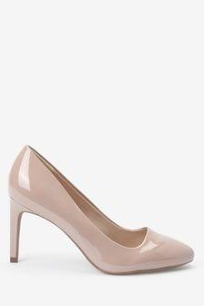 حذاء أنيق شبه مستدير عند الأصابع