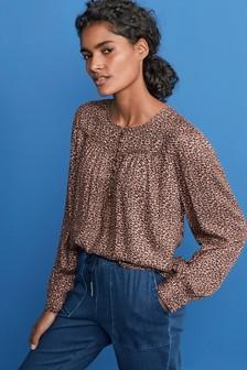 Блузка с кокеткой без застежки