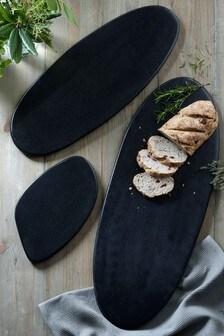 Сервировочная доска из черной древесины