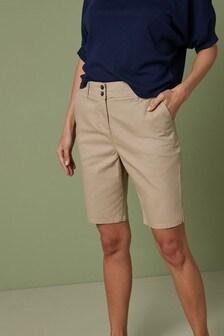 מכנסי צ'ינו קצרים באורך הברך